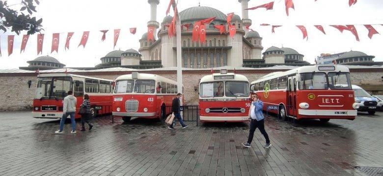 Taksim Meydanı'nda nostaljik otobüs sergisi